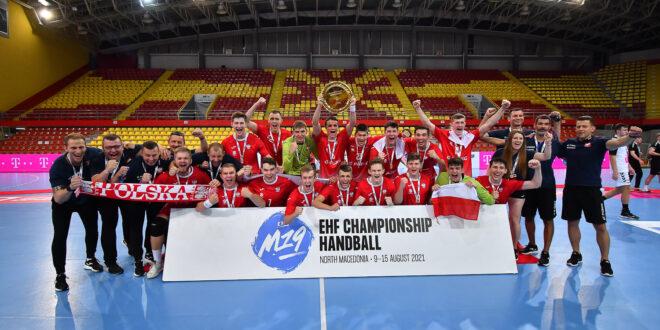 Historyczna wygrana i awans reprezentacji U19
